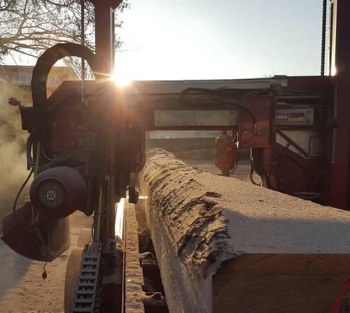 Herstellung von Schnittholz für Schlossdielen