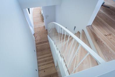 Douglasie Schlossdielen bei einer Treppe