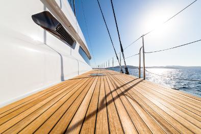 Schiffsboden Deck