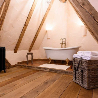 Holzboden im Bad