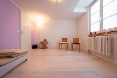 weißer Holzboden aus Eschenholz