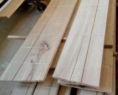 Stabilisierte Schlossdielen aus Buchenholz