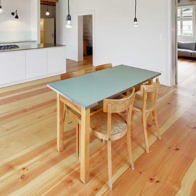 Kiefer Bodendielen in der Küche